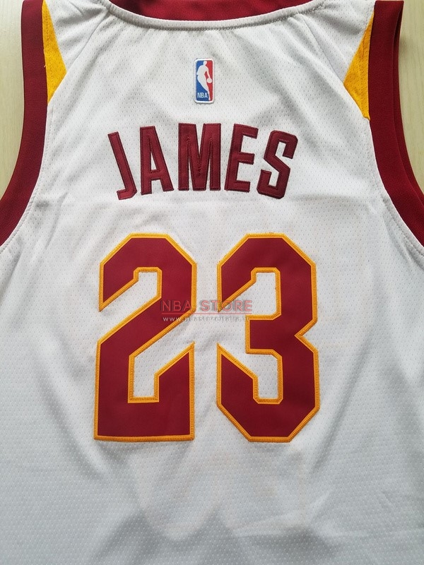 ... Divise Basket Personalizzate NBA Bambino Cleveland Cavaliers NO.23  LeBron James Bianco 2017 2018 ... faf6e0eea301
